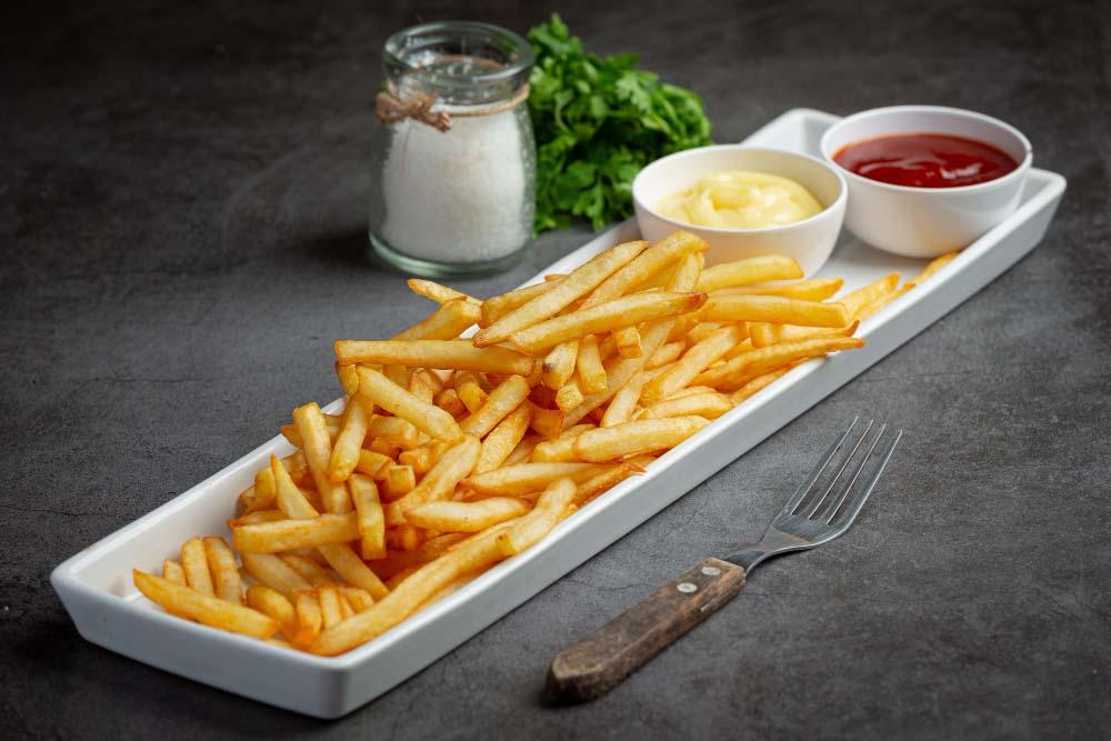 Frites Maison avec Ketchup & Mayonnaise